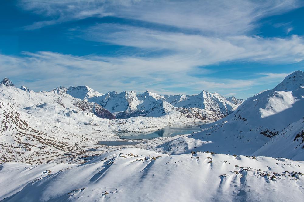 Červeným vláčkem srkz na skrz Švýcarskem